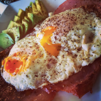 Bacon, fried egg and avocado