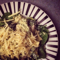 Courgette with creamy pesto chicken and broccoli on spinach